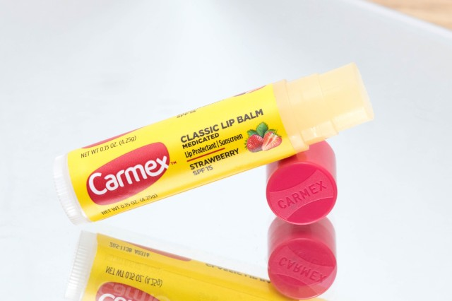 Carmex Strawberry 1 by Cantinho da Tarsi