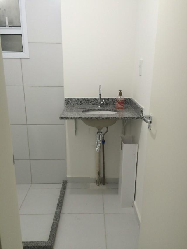 Banheiro antes da reforma 1 by Cantinho da Tarsi