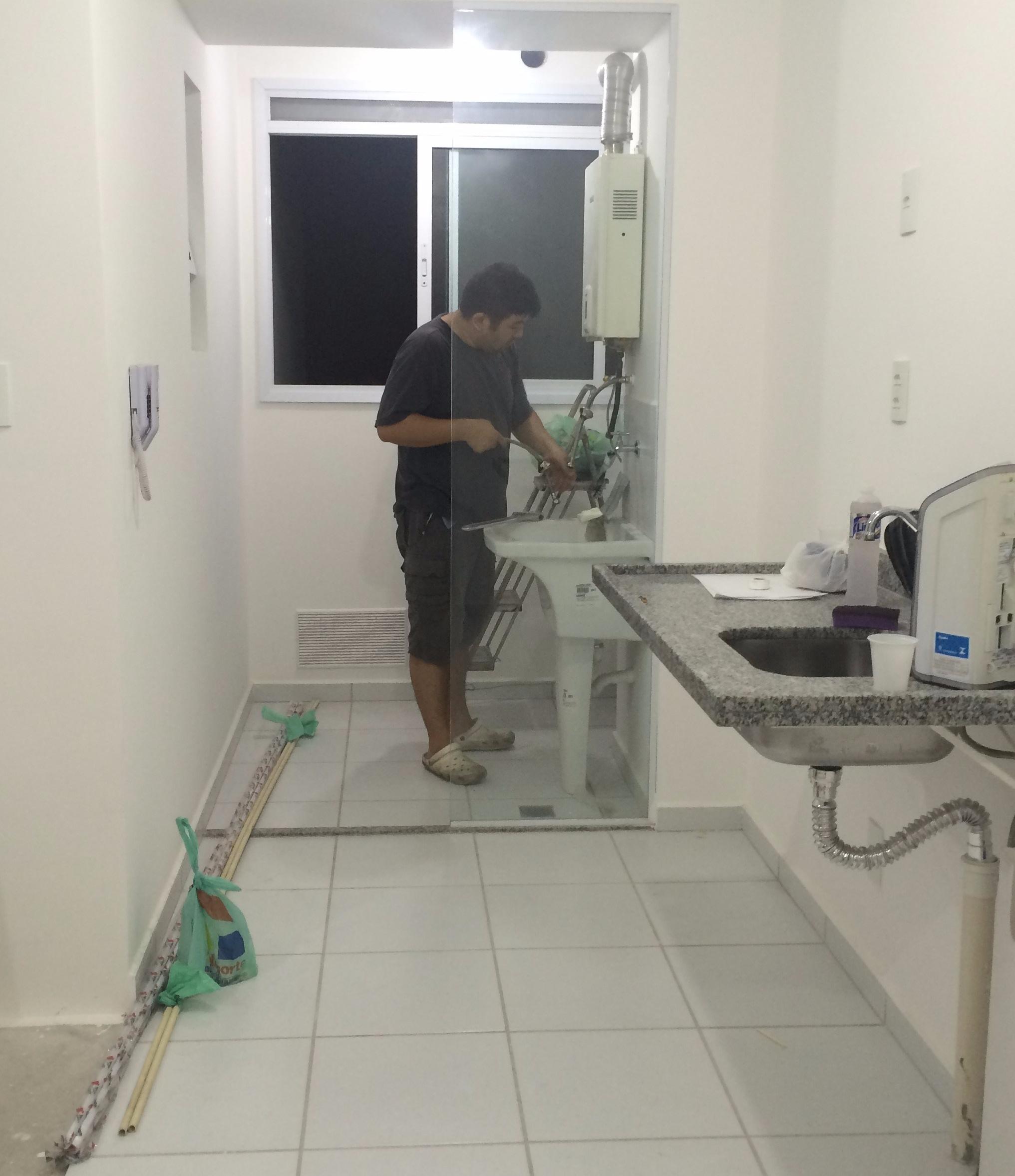 Cozinha antes da reforma by Cantinho da Tarsi