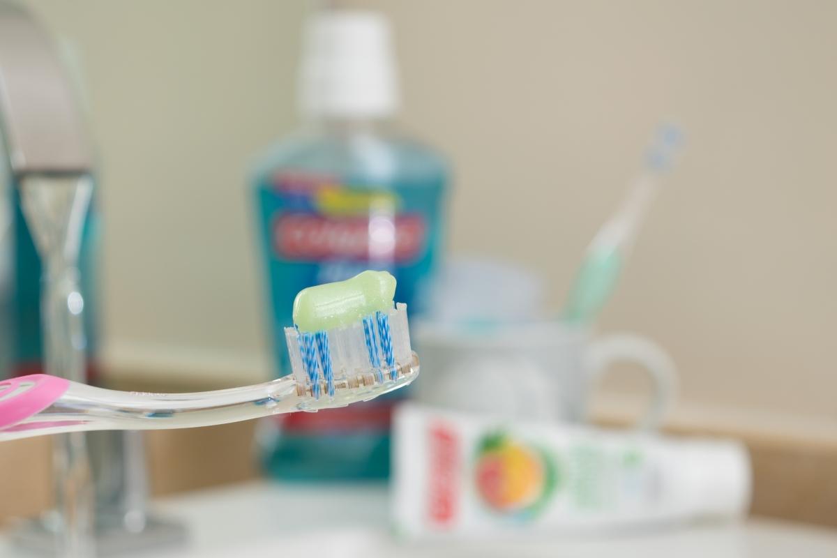 Melhor Creme Dental que Experimentei até Hoje: Colgate Natural Extracts